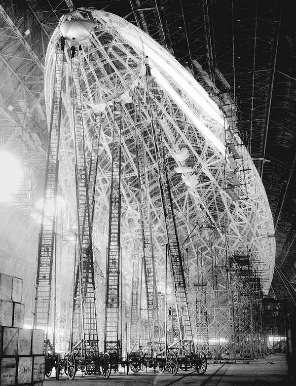 Building the USS Macon airship in the early 1930s