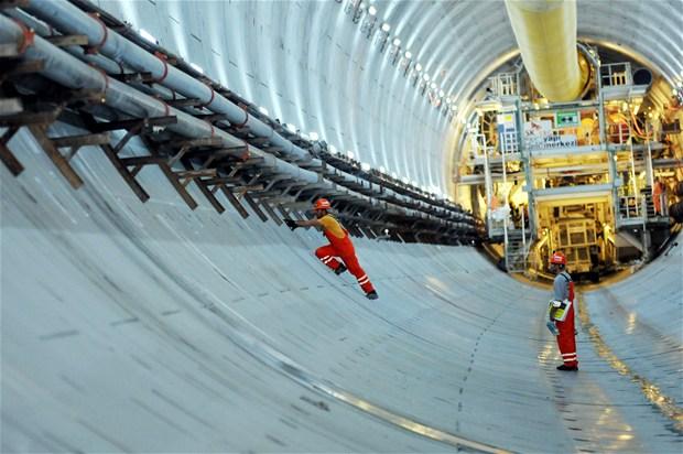 Bosphorus Strait tunnel construction