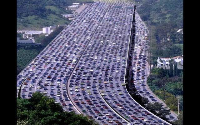 huge-highway-full-of-cars