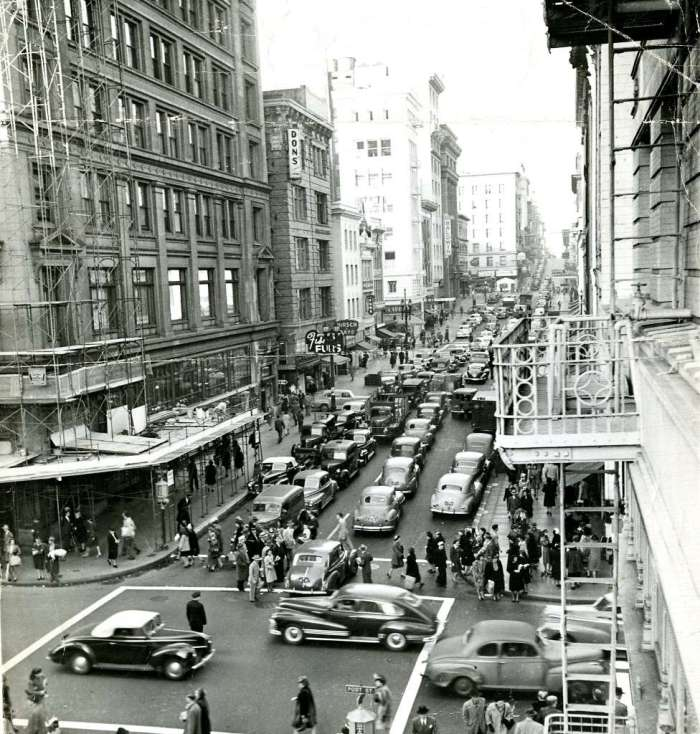 Traffic jam at Grant Avenue and Post Street in San Francisco. 9:15 a.m. December 23, 1946